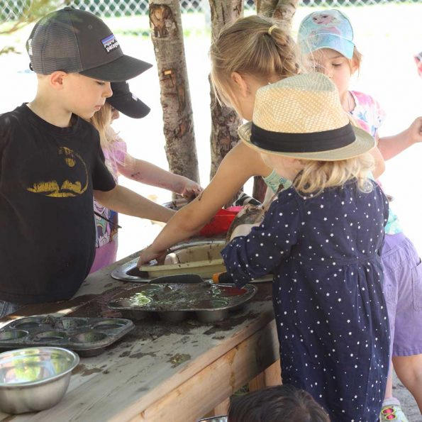 mud kitchens kids 2